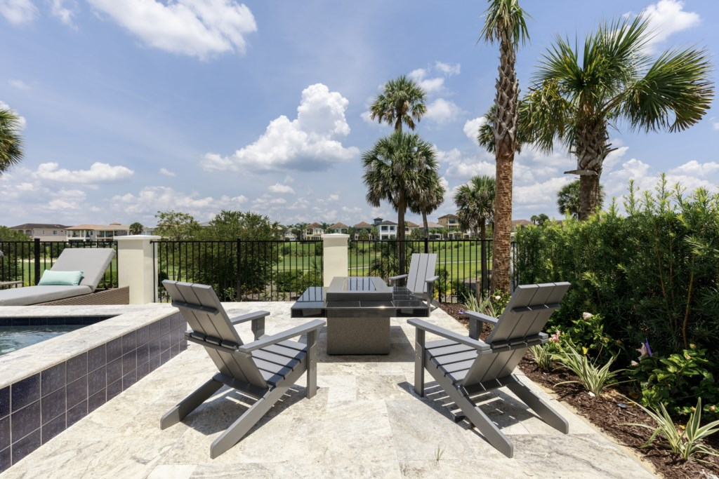 Fire pit - Captain's Chair - 9 Bedroom - Spectacular Destination With a Star Trek Theater Entertainment Center Vacation Home - Homes4uu