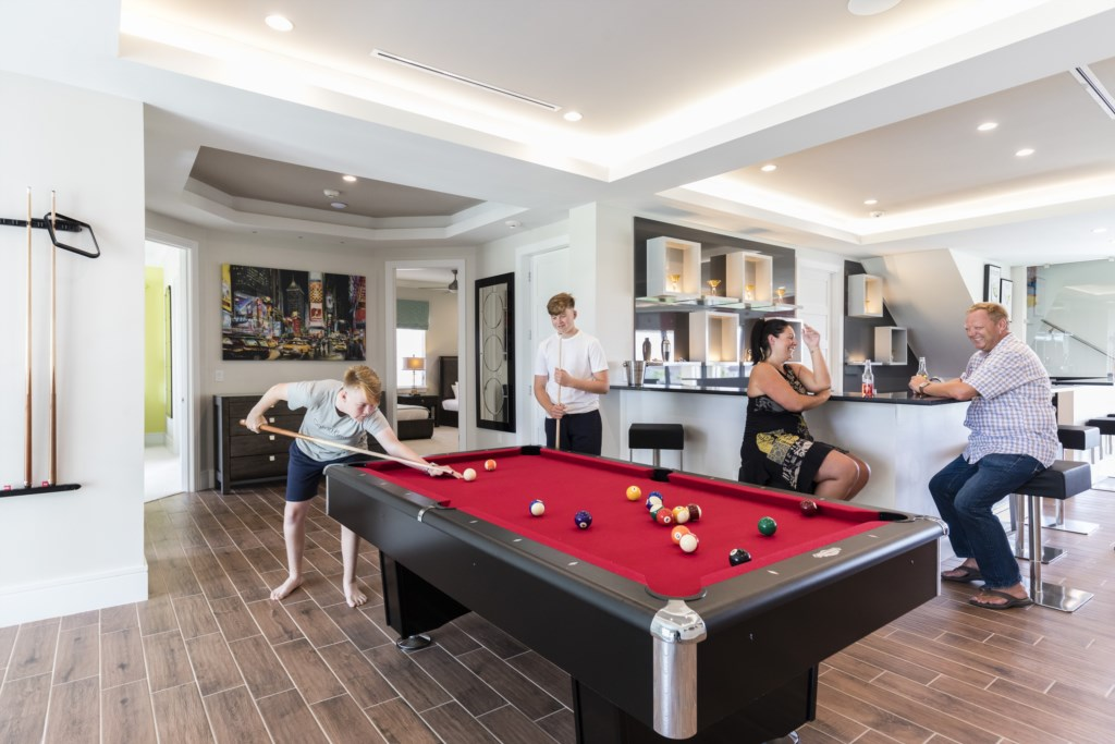 Game Loft Pool Table - Captain's Chair - 9 Bedroom - Luxury Orlando Vacation Home - Homes4uu