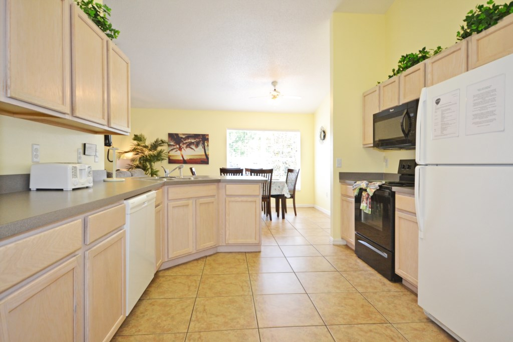 Kitchen Fully Equipped - Buckingham Palm - 4 Bedroom Orlando Area Salt Water Pool Vacation Home - Homes4uu