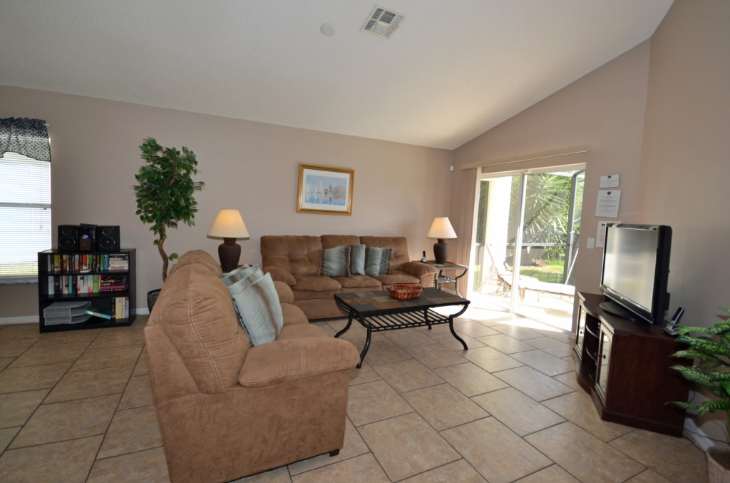 Living Room Comfy Couches - Palm Villa - 4 Bedroom - Orlando Golf Course Vacation Home - Homes4uu
