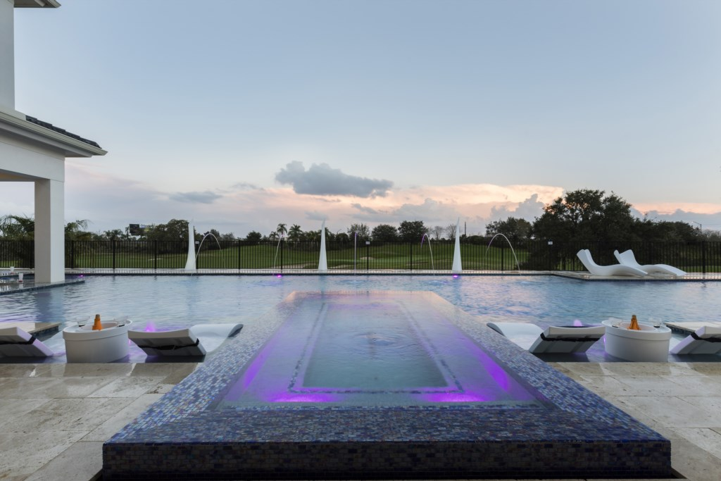 In Ground Spa at Sunset - Maui - 9 Bedroom Themed Orlando Vacation Home - Homes4uu