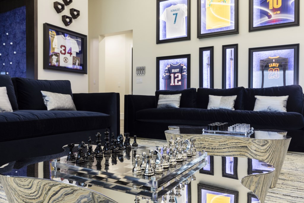 Loft with new chess Set - Maui - 9 Bedroom Themed Orlando Vacation Home - Homes4uu