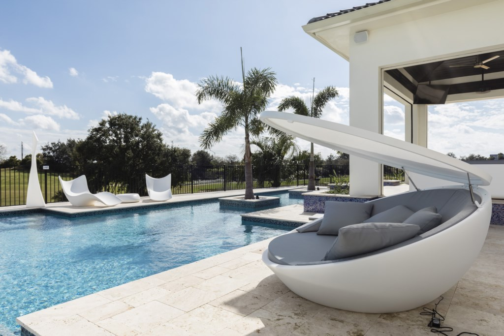 Pool Deck Furniture - Maui - 9 Bedroom Themed Orlando Vacation Home - Homes4uu