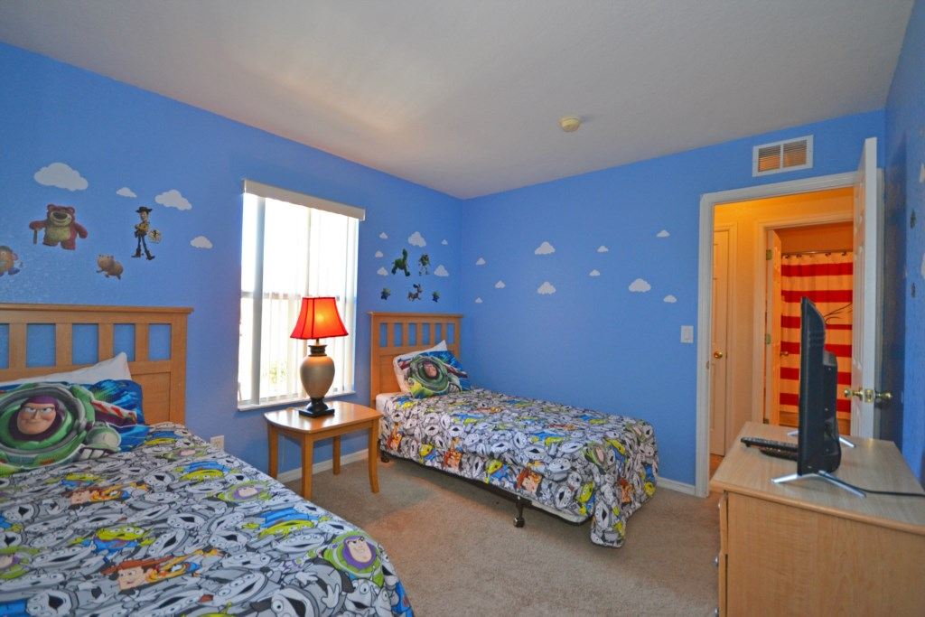 Bedroom 3 - Two Twin Beds Toy Story Themed Street Entrance - Calabria Villa - 4 Bedroom Orlando Area Townhouse - Homes4uu