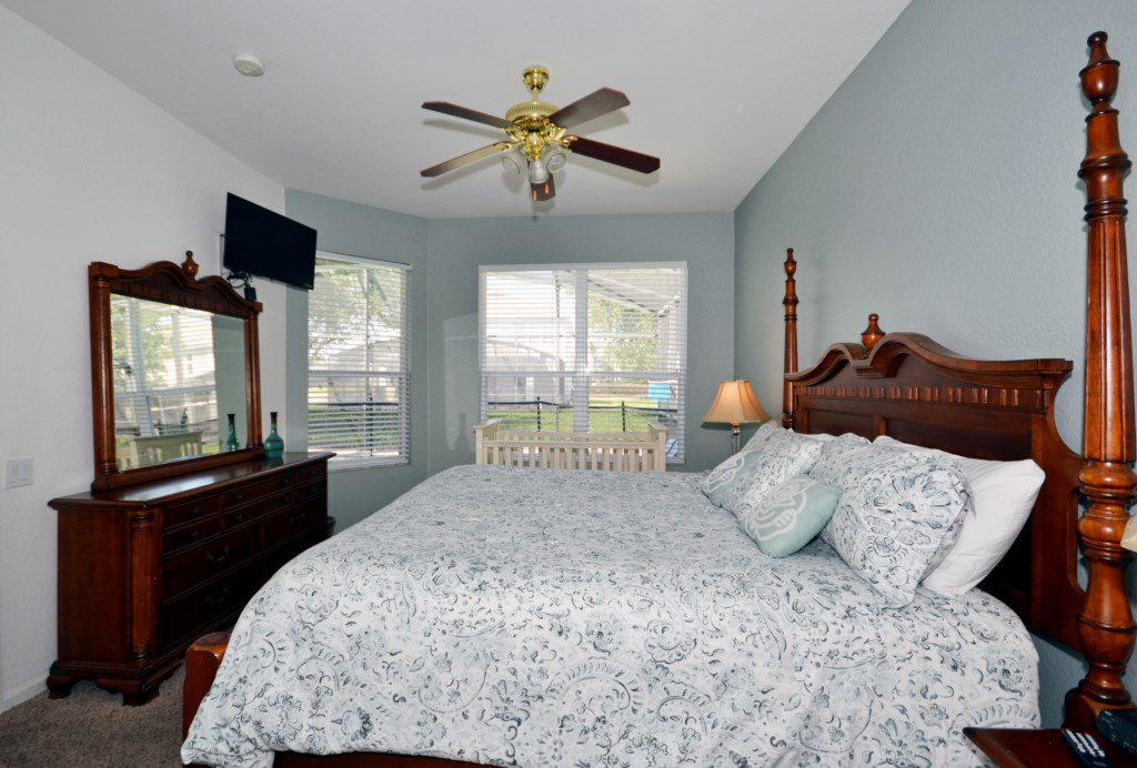 Bedroom 1 - Master Suite With King Size Bed - Chateau Soleil - 5 Bedroom - Disney Area Private Pool Home - Homes4uu