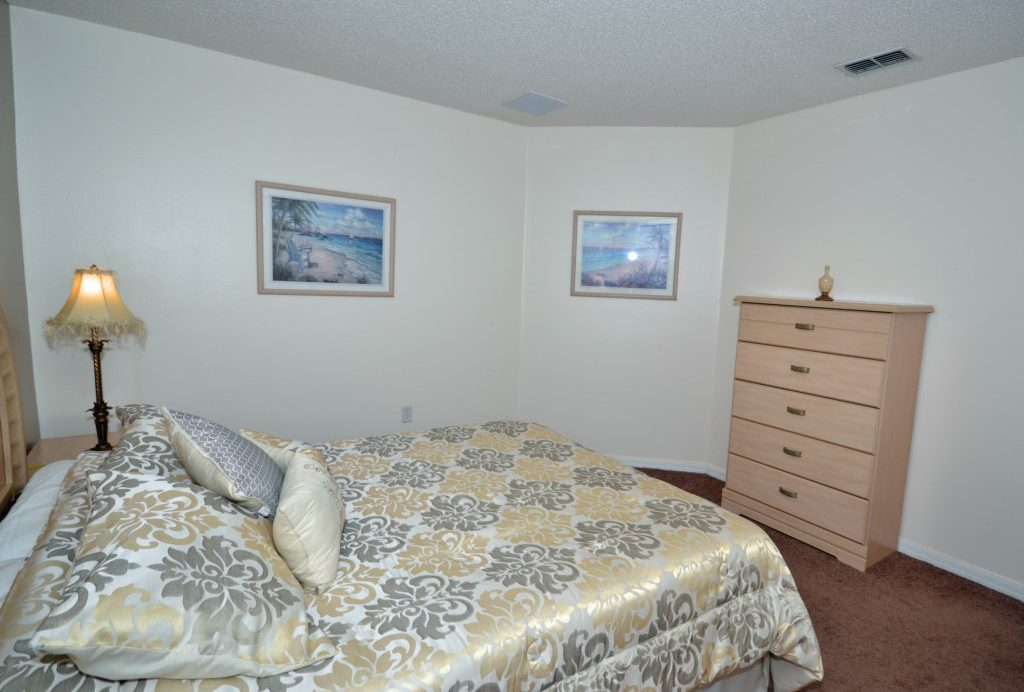 Bedroom - 2 - Queen Bed - St. Kitts - 6 Bedroom - Disney Area Family Vacation Home With Private Pool - Homes4uu