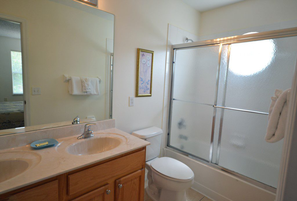 Bedroom - 3 - En-suite Bathroom - St. Kitts - 6 Bedroom - Disney Area Family Vacation Home With Private Pool - Homes4uu