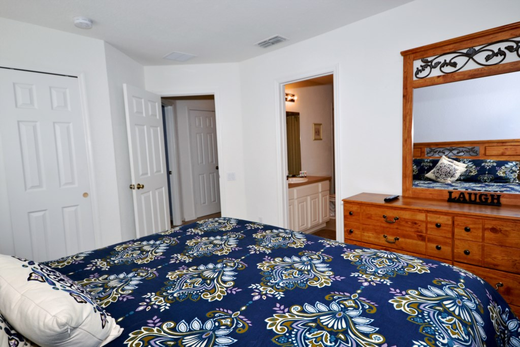 Bedroom 3 - Queen Bed - Chateau Soleil - 5 Bedroom - Disney Area Private Pool Home - Homes4uu