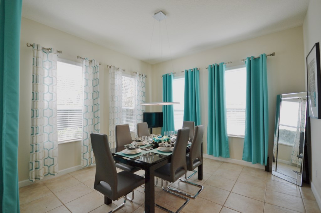 Dining - Reunion Retreat - 3 Bedroom - Disney Area Private Pool Vacation Home - Homes4uu