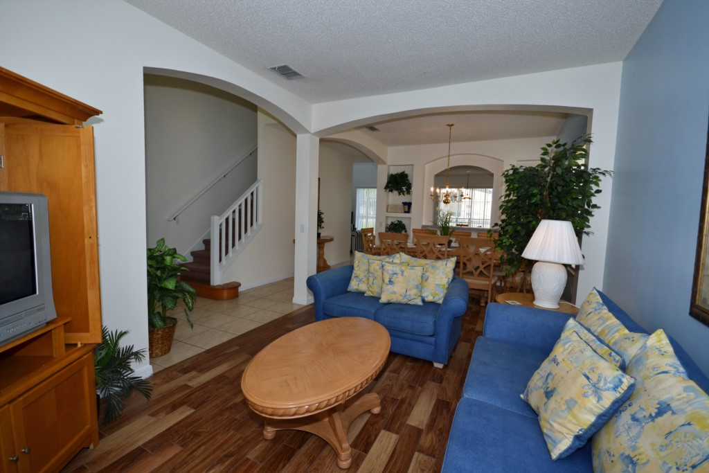 Family Room - St. Kitts - 6 Bedroom - Disney Area Family Vacation Home With Private Pool - Homes4uu