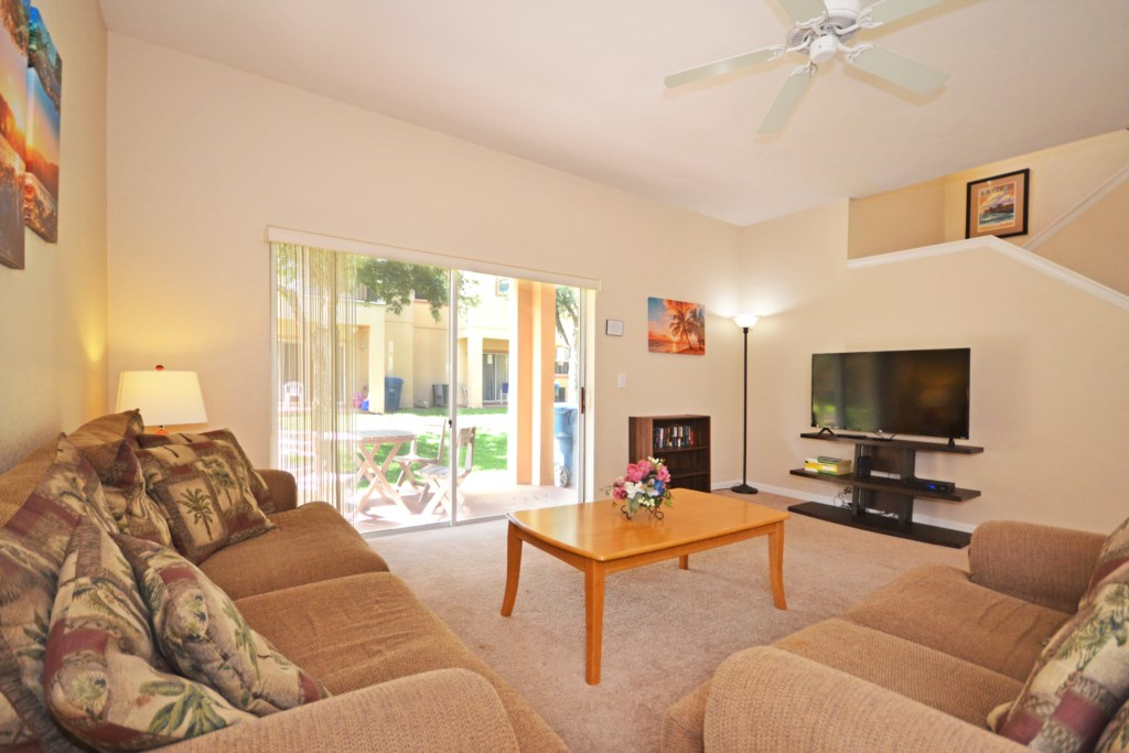 Living Room - Tequila Sunrise - 4 Bedroom Disney Area Vacation Home - Homes4uu