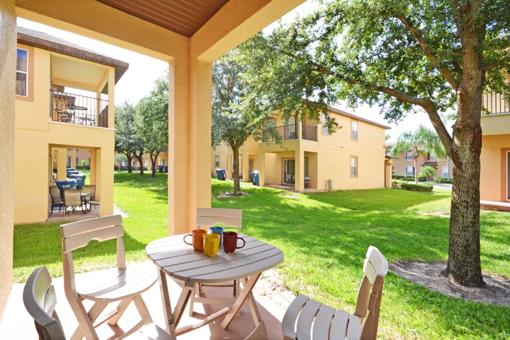 Patio - Tequila Sunrise - 4 Bedroom Disney Area Vacation Home - Homes4uu