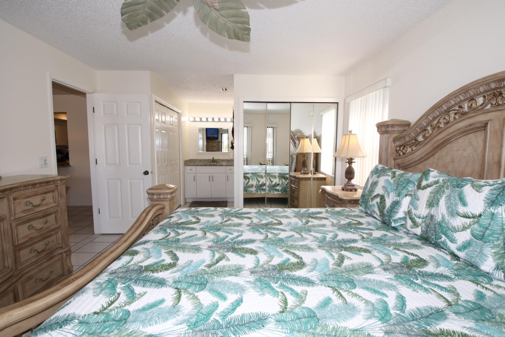Bedroom - 1 - King Size Bed - Perrywinkle - 2 Bedroom Condo - Anna Maria Island Beach vacation Home - Homes4uu