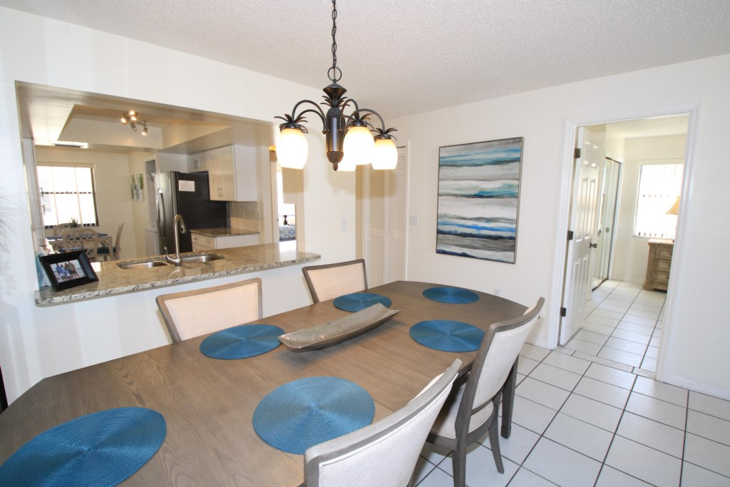Dining Room Formal Seating - Perrywinkle - 2 Bedroom Condo - Anna Maria Island Beach vacation Home - Homes4uu