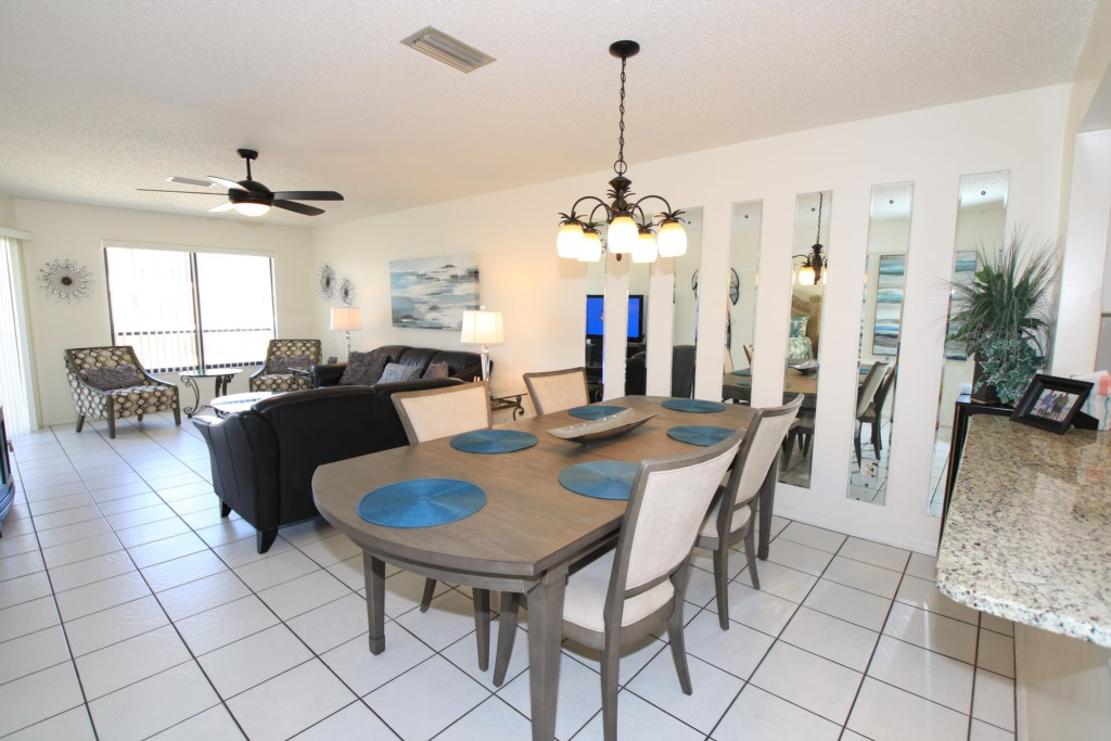Dining Table - Perrywinkle - 2 Bedroom Condo - Anna Maria Island Beach vacation Home - Homes4uu