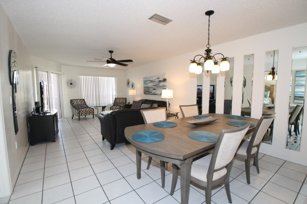 Dining Table seating for Four - Perrywinkle - 2 Bedroom Condo - Anna Maria Island Beach vacation Home - Homes4uu