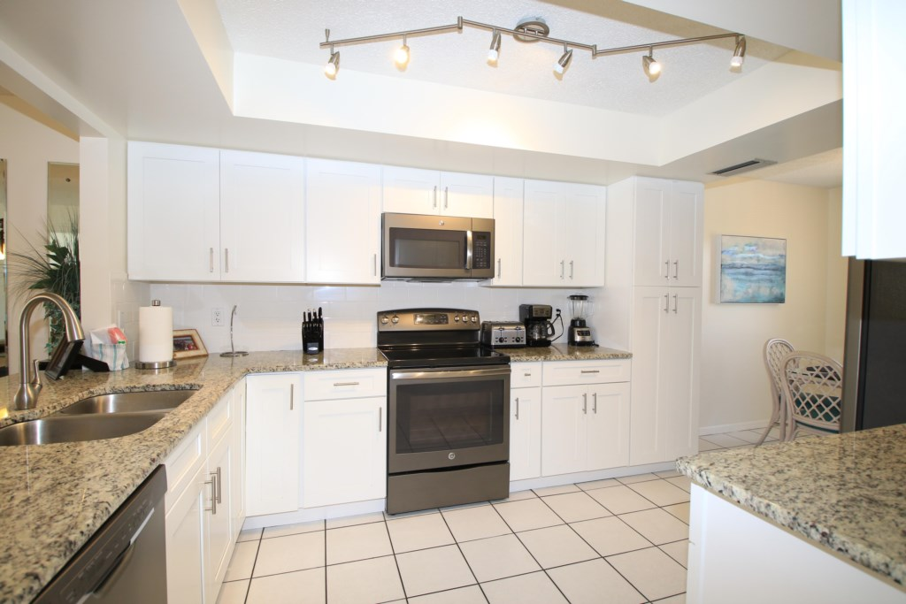 Kitchen Fully Equipped - Perrywinkle - 2 Bedroom Condo - Anna Maria Island Beach vacation Home - Homes4uu