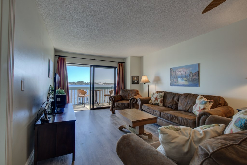 Living Room Seating Overstuffed Couches - Moon Snail - Anna Maria Island 2 Bedroom Vacation Condo - Homes4uu