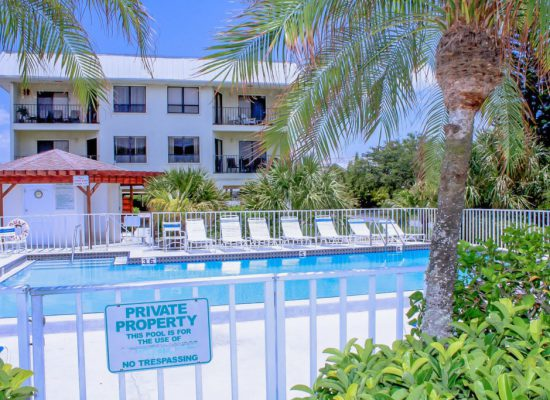Pool For guests only - Kitten Paw - 2 Bedroom Condo - Anna Maria Island Beach vacation Home - Homes4uu