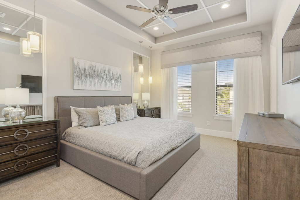 Bedroom - 6 King Bed - Pirate's Utopia - 10 Bedroom Disnay Area Custom MansionVacation Home - Homes4uu