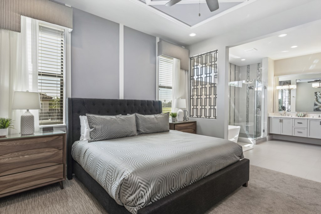 Bedroom - 8 King Bed - Pirate's Utopia - 10 Bedroom Disnay Area Custom MansionVacation Home - Homes4uu