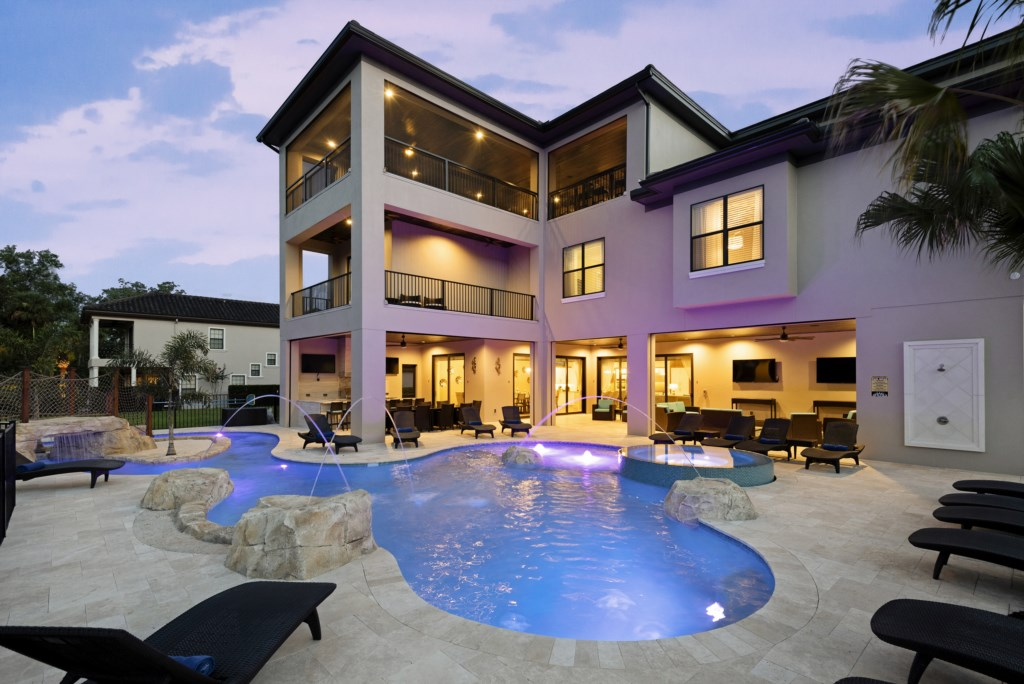 Pool and Rear Of House - Pirate's Utopia - 10 Bedroom Vacation Mansion - Homes4uu